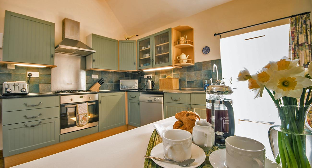 Badgers Wood holiday cottage for 6 in Buxton, Derbyshire with pool
