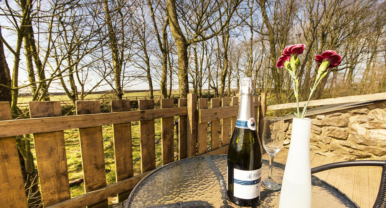 Swifts Retreat holiday cottage for 4 in Buxton, Derbyshire with pool